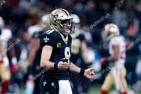 New Orleans Saints quarterback Drew Brees (9) reacts after a fumble by Alvin Kamara in the first half an NFL football game against the San Francisco 49ers in New Orleans