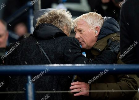 Rod Stewart chats to former Scotland and Celtic Manager Gordon Strachan