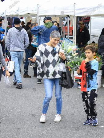 Selma Blair and Arthur Saint at Studio City Farmers Market