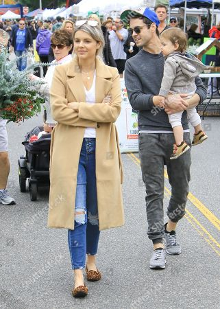 Stock Image of Ali Fedotowsky and Kevin Manno at Studio City Farmers Market