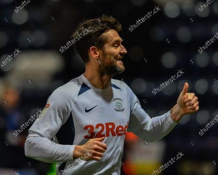 10th December 2019, Deepdale, Preston, England; Sky Bet Championship, Preston North End v Fulham : David Nugent (35) of Preston North End gives a thumbs up to the home supporters after his team beat Fulham 2-1 at DeepdaleCredit: Simon Whitehead/News Images