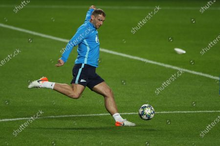 Zenit player Artem Dzyuba in action during their training session at Luz stadium in view to the tomorrow`s Champions League Group G soccer match against Benfica, Lisbon, Portugal,  09 December 2019.