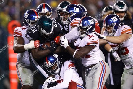 Philadelphia Eagles' Jay Ajayi plays during the first half of an NFL football game against the New York Giants, in Philadelphia