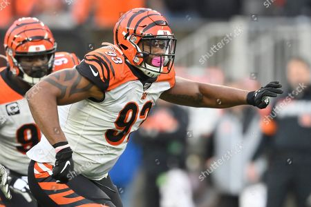 Cincinnati Bengals defensive tackle Andrew Brown (93) runs during an NFL football game against the Cleveland Browns, in Cleveland. The Browns won 27-19