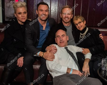 Christine Elise, Brian Austin Green, James Eckhouse, Ian Ziering and Gabrielle Carteris