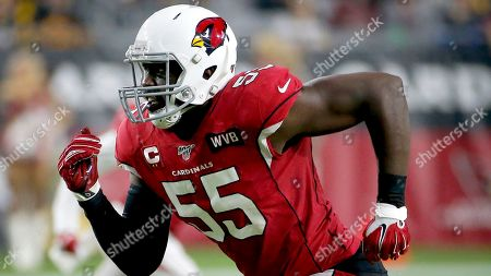 Arizona Cardinals linebacker Chandler Jones (55) runs a play against the Pittsburgh Steelers during the first half of an NFL football game, in Glendale, Ariz