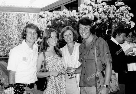 Stock Photo of Ron Howard with Cheryl Alley Howard Marion Ross and Anson Williams
