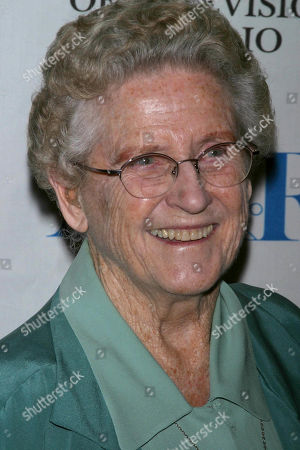 Ann B Davis at the 2004 William S Paley Tv Festival a Salute to Sherwood Schwartz Dga Theatre West Hollywood Ca 03/12/04 USA West Hollywood