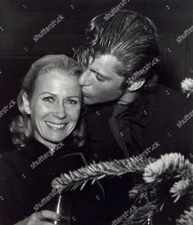 Juliet Mills and Maxwell Caulfield at the Steve Allen and Jayne Meadows Party