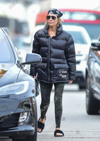 Stock Image of Lisa Rinna leaving yoga class