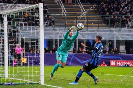 neto of Barcelona and Danilo D'Ambrosio of Inter Milan