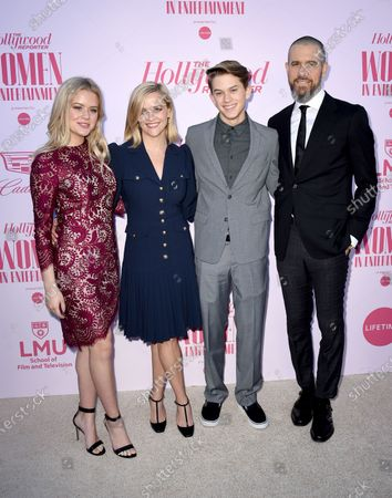 Ava Phillippe, Reese Witherspoon, Deacon Phillippe and Jim Toth