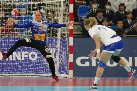 Silvia Navarro Gimenez (L) of Spain in action during the IHF Women's World Championship Main Round match between Spain and Russia in Kumamoto, Japan, 11 December 2019.