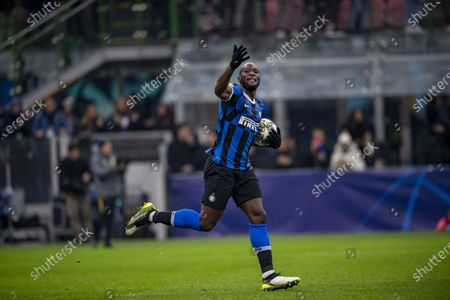 Romelu Lukaku (Inter) celebrates after scoring his team's first goal