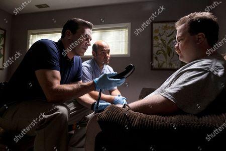 Jon Hamm as Tom Shaw, Ian Gomez as Dan Bennet and Paul Walter Hauser as Richard Jewell
