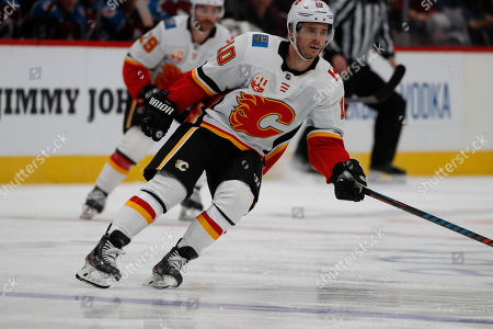 R m. Calgary Flames center Derek Ryan (10) in the second period of an NHL hockey game, in Denver