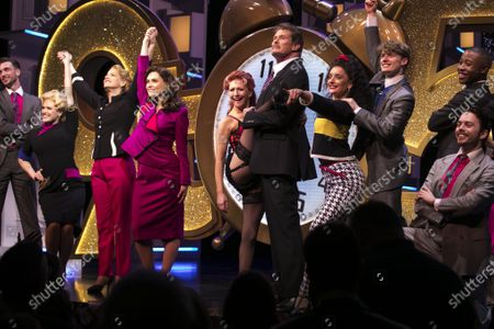Natalie McQueen (Doralee Rhodes), Caroline Sheen (Violet Newstead), Chelsea Halfpenny (Judy Bernly), Bonnie Langford (Roz Keith) and David Hasselhoff (Franklin Hart Jr) during the curtain call