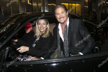 Caroline Sheen (Violet Newstead) and David Hasselhoff (Franklin Hart Jr)