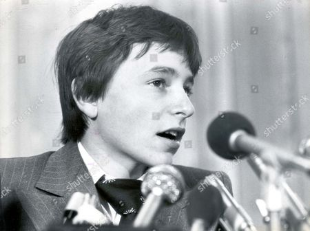 Jockey Steve Cauthen 1979 Facing The Microphones And Tricky Questions From The Press Is Steve Cauthen. On Saturday The Real Business Of Riding Horses On British Courses Begins. Steve Cauthen Rider Of 944 Winners Of Races Worth $12 Million In The United States Since May 1976 Came Through His First British Ordeal In Lester Piggott-style Yesterday. The Kid Was Ice-cool As He Faced A Media Army In London. Yes He Had Met Mr Piggott Who Didn't Say Too Much ' And No He Would Not Be Taking Willie Carson's Advice Which Was: 'follow Me But Not Too Close.' Cauthen Is Here To Ride For Leading Owner Robert Sangster (died April 2004) And He Will Not Be Short Of The Best Advice As He Tries To Make His Name Here. He Will Live At Lambourn Near Trainer Barry Hills And Jimmy Lindley Who Has Been Appointed His Manager And Adviser. And Last Night Eddie Arcaro Beloved 'banana Nose' Of American Racing Flew Here To Cover For American Tv The British Debut Of The Kid At Salisbury On Saturday. ...jockeys