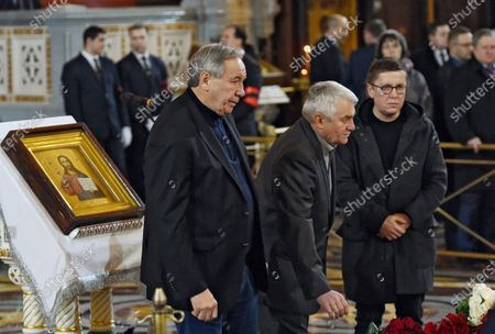 Final farewell to Ex-Mayor of Moscow Yury Luzhkov in the Cathedral of Christ the Savior. President of the Russian Tennis Federation Shamil Tarpishev (left)