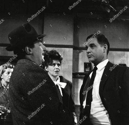 Jean Alexander (as Hilda Ogden), Reginald Marsh (as Dave Smith), Pat Phoenix (as Elsie Tanner) and Paul Maxwell (as Steve Tanner)