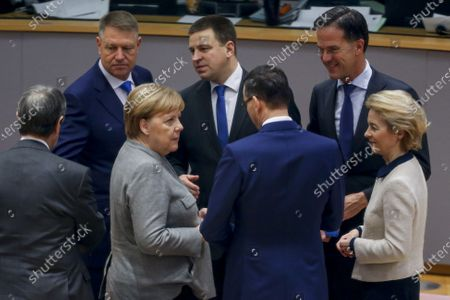 (L-R) Romanian President Klaus Iohannis, German Chancellor Angela Merkel, Estonian Prime Minister Juri Ratas, Slovenian Prime Minister Marjan Sarec, Dutch Prime Minister Mark Rutte and European Commission President Ursula von der Leyen at the start of the second day of the European Council summit in Brussels, Belgium, 13 December 2019. EU leaders gathered in Brussels on 12 and 13 December to discuss climate change, the EU's long-term budget and external relations, the economic and monetary union and Brexit, among other issues.