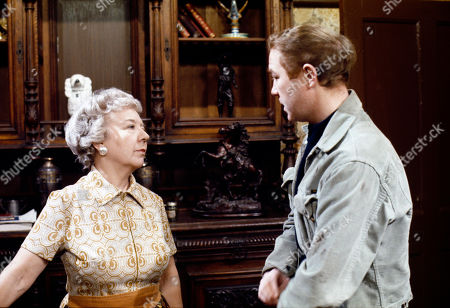 Gabrielle Daye (as Beattie Pearson) and Graham Haberfield (as Jerry Booth)