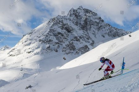 Anna Veith of Austria speeds down the slope during the Women's Super-G race at the FIS Alpine Ski World Cup in St. Moritz, Switzerland, 14 December 2019.