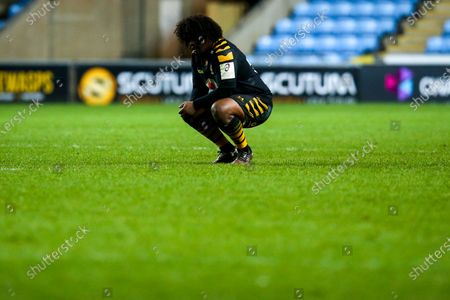 Ashley Johnson of Wasps cuts a dejected figure after defeat to Edinburgh Rugby