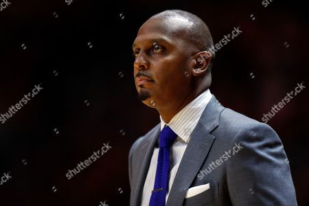 Memphis head coach Penny Hardaway watches action during the first half of an NCAA college basketball game against Tennessee, in Knoxville, Tenn