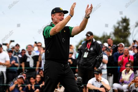 Ernie Els of South Africa and the International team thanks the crowd during the presentation ceremony of the 2019 Presidents Cup