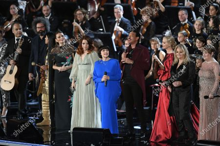 Simone Cristicchi, Leo Rojas, Alma Manera, Noemi, Mireille Mathieu, Lionel Richie, Federica Panicucci, Bonnye Tyler, Susan Boyle perform in the Paul VI Hall at the Vatican during the Christmas concert