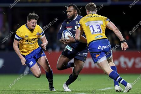 ASM Clermont Auvergne vs Bath Rugby. Clermont's Alivereti Raka with Freddie Burns and Max Wright of Bath