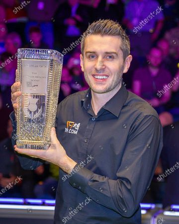The 19.com World Snooker Scottish Open Champion 2019 Mark Selby holds the Stephen Hendry Trophy with a broad smile following his win at the World Snooker 19.com Scottish Open Final Mark Selby vs Jack Lisowski at the Emirates Arena, Glasgow