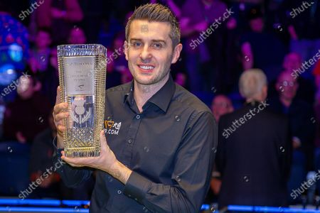 The 19.com World Snooker Scottish Open Champion 2019 Mark Selby holds the Stephen Hendry Trophy following his win at the World Snooker 19.com Scottish Open Final Mark Selby vs Jack Lisowski at the Emirates Arena, Glasgow