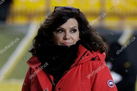 Michele Tafoya, NBC Sports Reporter walks the sidelines during warm ups before an NFL football game between the Pittsburgh Steelers and the Buffalo Bills in Pittsburgh