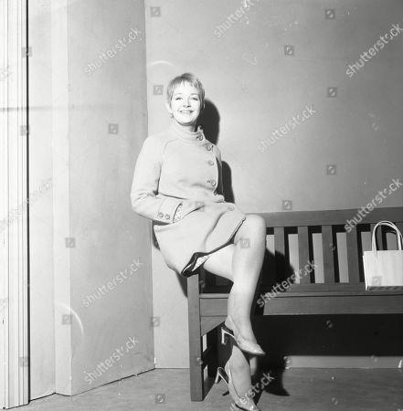 Mitzi Rogers as Jenny Sutton