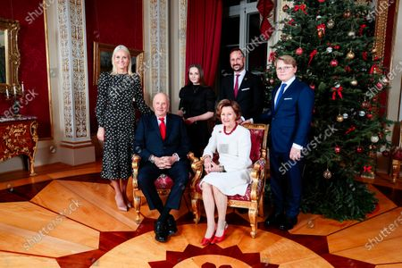 Norway's Crown Princess Mette-Marit (L), King Harald, Princess Ingrid Alexandra, Crown Prince Haakon, Queen Sonja and Prince Sverre Magnus pose during Christmas photography in the Royal Palace in Oslo, Norway, 16 December 2019. The royal couple will celebrate Christmas at Kongseter together with Princess Martha. The Crown Prince couple spends Christmas in Uvdal.