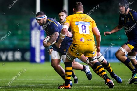 Kai Owen of Worcester Cavaliers takes on Tom Willis of Wasps A