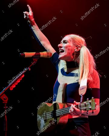 Stock Picture of Walk Off The Earth - Sarah Blackwood