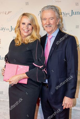 Stock Picture of Linda de Mol and Patrick Duffy