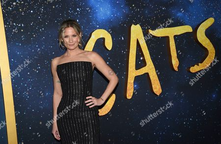 """Jennifer Nettles attends the world premiere of """"Cats,"""" at Alice Tully Hall, in New York"""