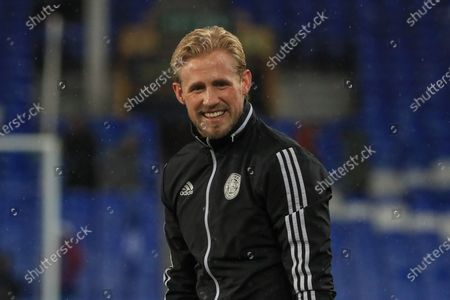 18th December 2019, Goodison Park, Liverpool, England; Carabao Cup, Everton v Leicester City : Kasper Schmeichel (1) of Leicester City during the pre-game warmup Credit: Mark Cosgrove/News Images