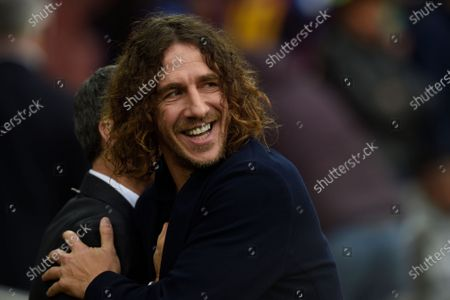 FC Barcelona head coach Ernesto Valverde with Carles Puyol
