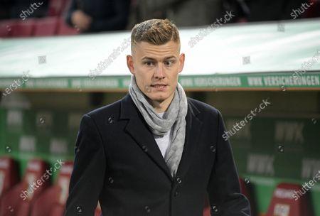 17.12.2019, Football 1. Bundesliga 2019/2020, 16. match day, FC Augsburg - Fortuna Duesseldorf, in WWK-Arena Augsburg, Alfred Finnbogason (FC Augsburg) in PrivatkleidungSpielfeldrand.