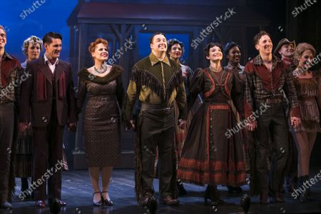 Samuel Holmes (Christopher Belling), Rebecca Lock (Carmen), Jason Manford (Cioffi), Leah West (Niki Harris) and Alan Burkett (Bobby) during the curtain call