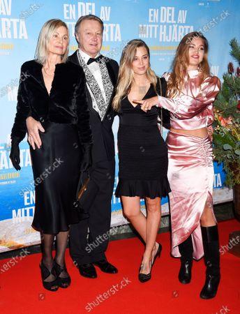 Magnus Akerman, with wife Vera Stevens and Malin's sisters Mikaela Akerman and Jennifer Akerman