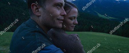 August Diehl as Franz Jägerstätter and Valerie Pachner as Fani Jägerstätter