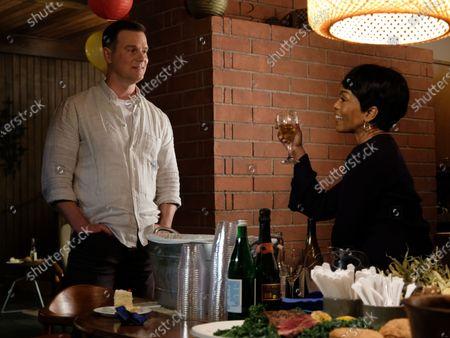 Peter Krause as Bobby Nash and Angela Bassett as Athena Grant