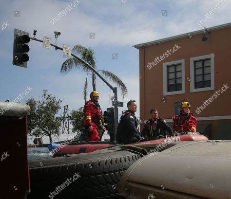 Peter Krause as Bobby Nash and Ryan Guzman as Eddie Diaz